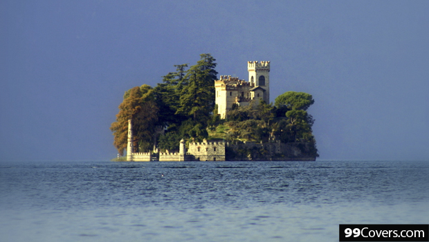 castle-on-the-island-of-loreto-italy