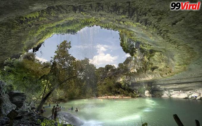 1 THE HAMILTON POOL NATURE PRESERVE IN TEXAS, USA