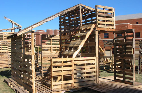 pallet-house10